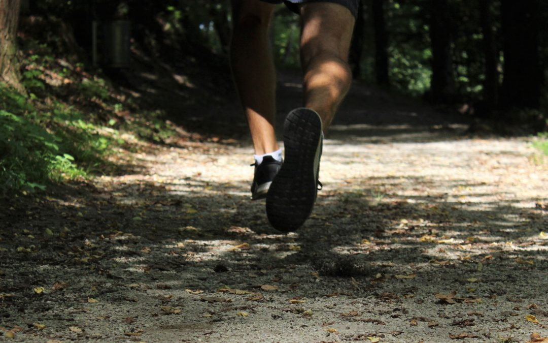 Verhindere Sportverletzungen durch sicheres Joggen